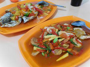 Foto review Masakan Medan Chinese Food Ayung 168 oleh Angelina wj 2