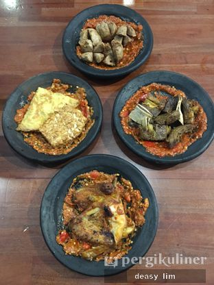 Foto 1 - Makanan di Warung Bu Kris oleh Deasy Lim