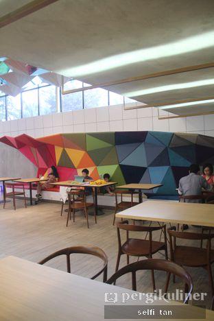 Foto 7 - Interior di Chroma Coffee and Eatery oleh Selfi Tan