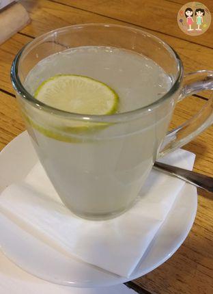 Foto 5 - Makanan(Hot lemon tea) di Sunny Side Up oleh Jenny (@cici.adek.kuliner)