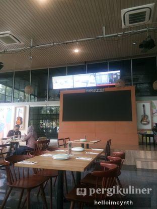 Foto 3 - Interior di Papa Ron's Pizza oleh cynthia lim