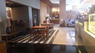 Foto 2 - Interior di Everjoy Coffee & Cafe - Hotel Ivory oleh Nadia Indo