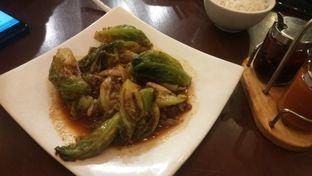 Foto 5 - Makanan(pakcoy with garlic sauce (IDR 29k)) di Tuan Rumah oleh Renodaneswara @caesarinodswr