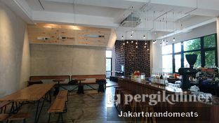 Foto 8 - Interior di Crematology Coffee Roasters oleh Jakartarandomeats