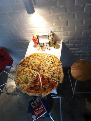 Foto 13 - Makanan di Sliced Pizzeria oleh Prido ZH