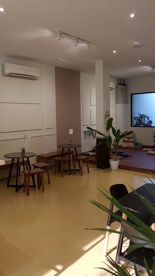 Foto 4 - Interior di Komune Cafe oleh Lombardi .