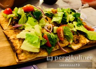 Foto 5 - Makanan(Pizza Sate Ayam) di Blue Jasmine oleh Sienna Paramitha