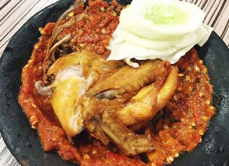 5 Tempat Makan dengan Menu Ayam Penyet di Jakarta Paling Enak