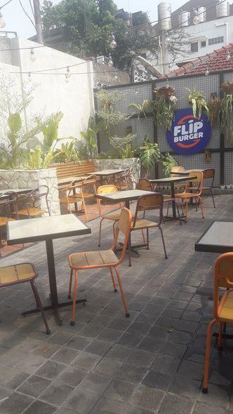 Foto Interior di Flip Burger