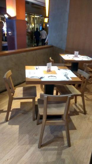 Foto 4 - Interior di Go! Curry oleh Renodaneswara @caesarinodswr