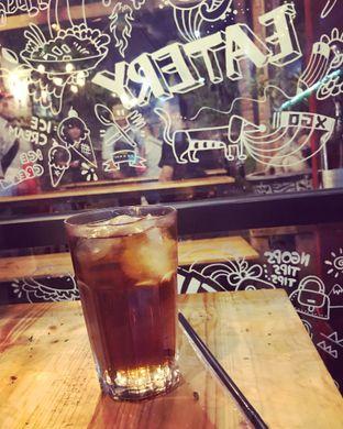 Foto 1 - Makanan(Ice black tea) di Titik Kumpul Coffee & Eatery oleh Aris Setiowati