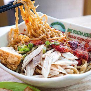 Foto - Makanan di Bakmi Karet Planet oleh @Sibungbung