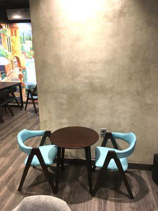 Foto 20 - Interior di Dopamine Coffee & Tea oleh Prido ZH