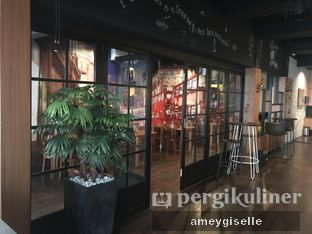 Foto 4 - Interior di AGBELIN Bistro & Cafe oleh Hungry Mommy
