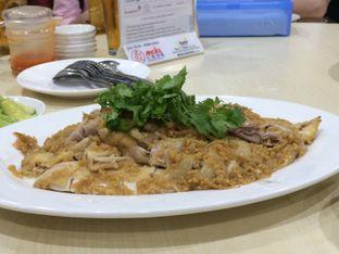 Foto 2 - Makanan(Ayam Rebus Minyak Jahe) di Angke oleh Elvira Sutanto