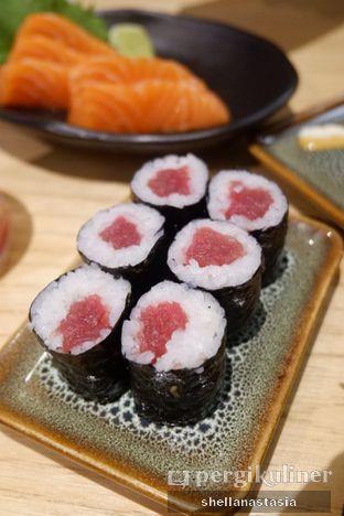 Foto 2 - Makanan(Tuna Maki) di Sushi Groove oleh Shella Anastasia