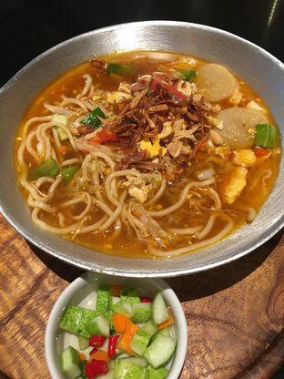 Foto 1 - Makanan(Mie kuah tek-tek) di Geulis The Authentic Bandung Restaurant oleh Jeljel