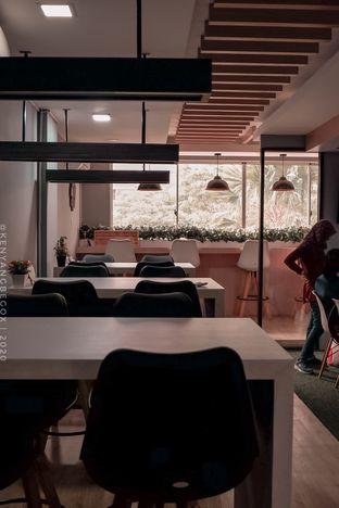 Foto 7 - Interior di Coffee Zen oleh vionna novani