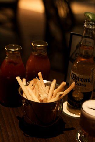 Foto 6 - Makanan di FLYNN Dine & Bar oleh thehandsofcuisine