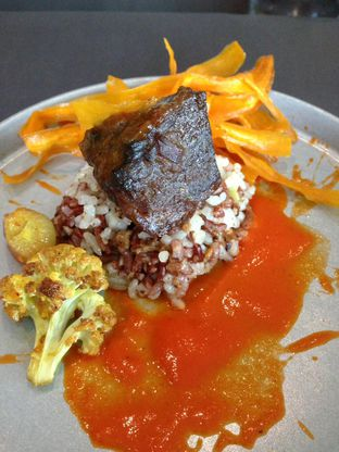 Foto 16 - Makanan di PASOLA - The Ritz Carlton Pacific Place oleh awakmutukangmakan
