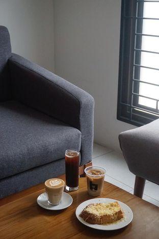 Foto 11 - Interior di Hidden Haus Coffee & Tea oleh yudistira ishak abrar
