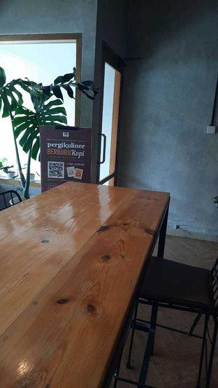 Foto 1 - Interior di Emmetropia Coffee oleh Geraldi Edward