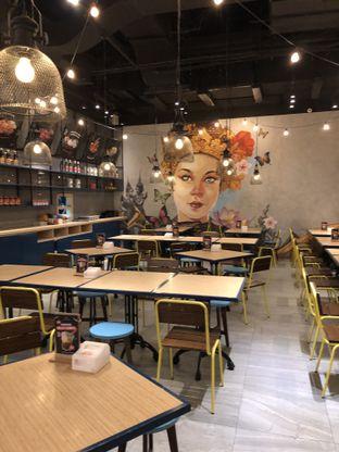 Foto 6 - Interior di Thai Street oleh @Sibungbung