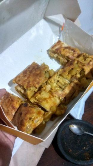 Foto 2 - Makanan(Martabak Ikhwan (IDR 27k)) di GH Corner oleh Renodaneswara @caesarinodswr
