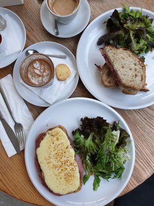Foto 1 - Makanan di BEAU Bakery oleh ig: @andriselly