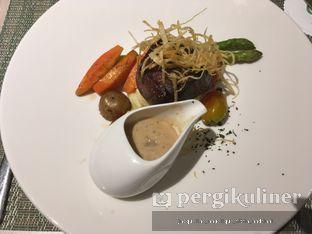 Foto 4 - Makanan(tenderloin) di Spice Restaurant - Oakwood Hotel & Residence Surabaya oleh @mamiclairedoyanmakan