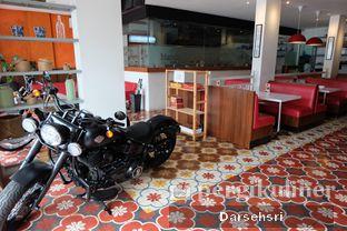 Foto 8 - Eksterior di Mandailing Cafe Bistro oleh Darsehsri Handayani