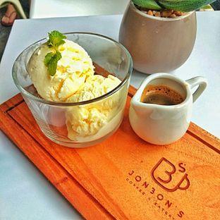 Foto 9 - Makanan(affogato) di Jonbon's Coffee & Eatery oleh duocicip