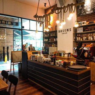 Foto review Bruins Coffee oleh duocicip  13