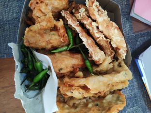 Foto - Makanan di Prima Rasa Pisang Goreng Pontianak oleh Tjandra Maya