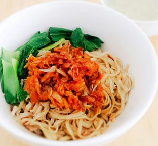 Foto 4 - Makanan(Mie tongkol siwir pedas) di Kedai Minasi oleh Mat Rene