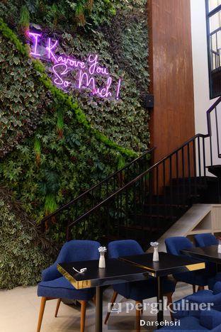Foto 1 - Interior di Kavove Cafe oleh Darsehsri Handayani