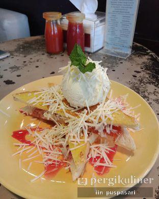Foto 2 - Makanan(Roti Bakar Keju with Ice Cream) di Giggle Box oleh Iin Puspasari