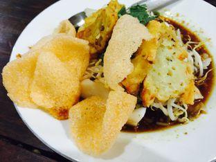 Foto 3 - Makanan(Kupat Tahu ) di Kupat Tahu Magelang AA oleh Yolla Fauzia Nuraini