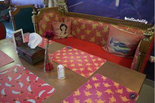 Foto 4 - Interior di Arabian Nights Eatery oleh Stellachubby