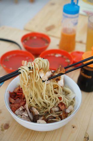 Foto 2 - Makanan di Pangsit Mie Palu oleh Kevin Leonardi @makancengli