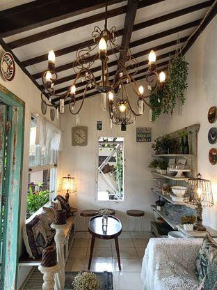 Foto 2 - Interior di Ol' Pops Coffee oleh Shafira Khairunnisa