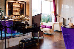 Foto 43 - Interior di The Writers Bar - Raffles Jakarta Hotel oleh Indra Mulia