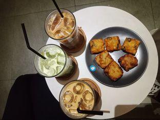 Foto 2 - Makanan di YOMS Pisang Madu & Gorengan oleh Rinta Nanda