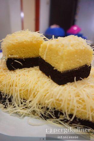 Foto 2 - Makanan di Bolu Susu Lembang oleh bataLKurus