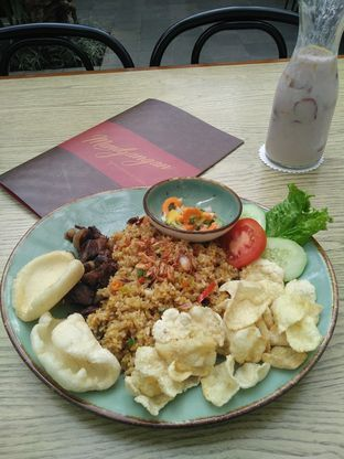 Foto 1 - Makanan(Nasi Goreng Alla Mendjangan) di Mendjangan oleh Ajeng Hestiriani
