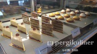 Foto 7 - Interior di Harliman Boulangerie oleh Selfi Tan