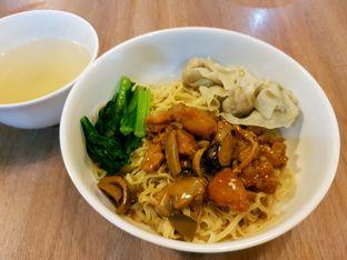 Foto 1 - Makanan di Bakmi GM oleh ig: @andriselly