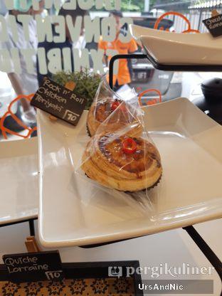 Foto 5 - Interior di Rokue Snack oleh UrsAndNic