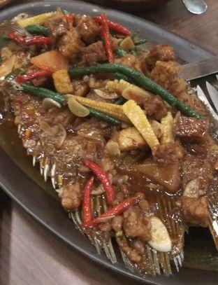 Foto 5 - Makanan(Gurame Goreng Tauco (IDR 210k) ) di Seribu Rasa oleh Renodaneswara @caesarinodswr