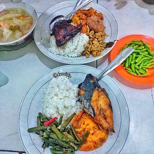 Foto 3 - Makanan di Warteg Gang Mangga oleh duocicip